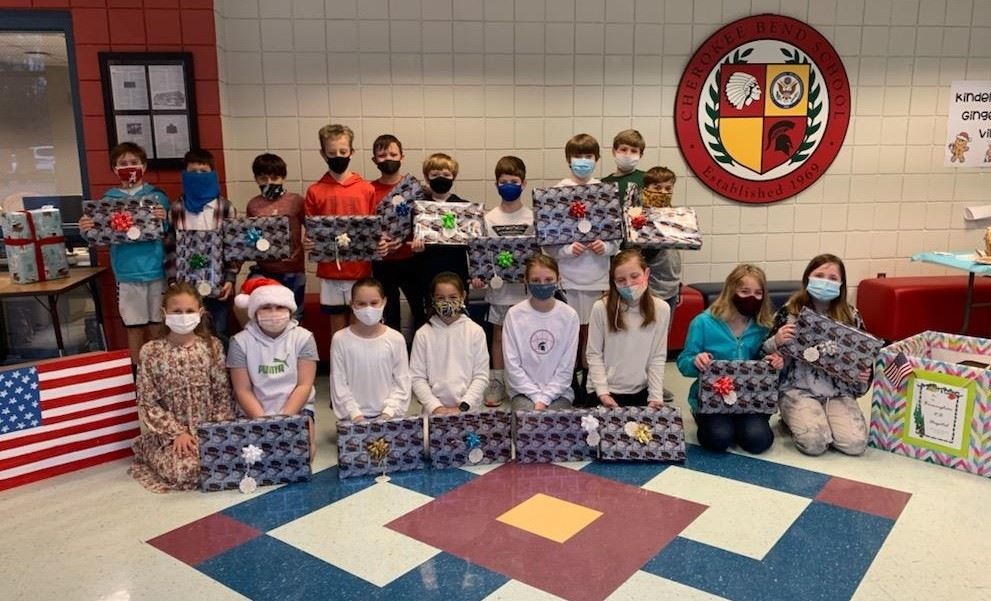 MBS students collect, donate gifts to veterans